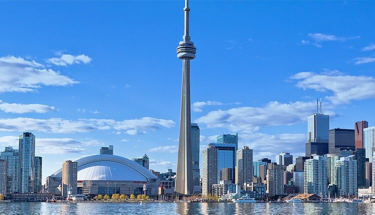 Toronto Ontario Canada will be the stage of the WWE Raw Toronto